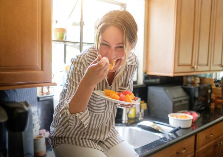 Фото №9 - Рот на замок! 12 хитростей, которые помогут вам начать есть меньше