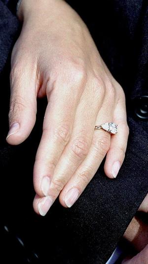 Фото №5 - Чужой дизайн: чье украшение копирует помолвочное кольцо Меган