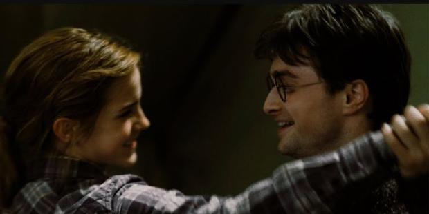 Фото №7 - «Гарри Поттер»: 9 сцен, которые доказывают, что Гарри и Гермиона соулмейты