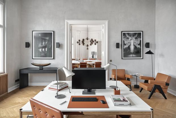 Фото №11 - Модный офис в Берлине с фресками на потолке