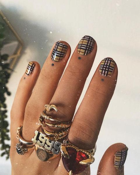 Фото №19 - Nail-мания: 100 идей модного маникюра