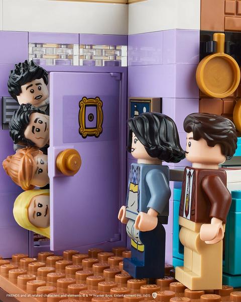 Фото №1 - Lego выпустит новый набор по мотивам сериала «Друзья»