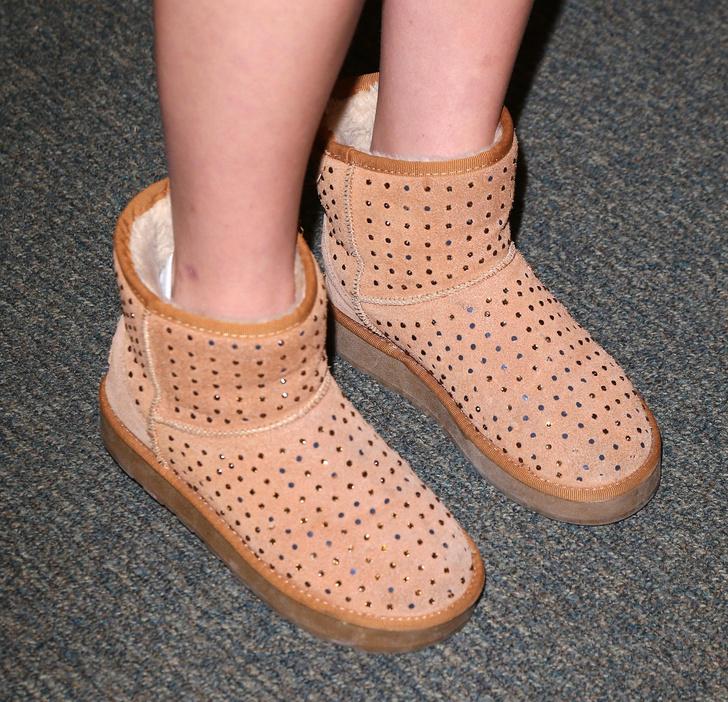 Фото №2 - Пять видов обуви, которую называли уродской, но всё равно массово носили