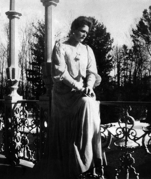 Фото №2 - За что любили и ненавидели последнюю российскую императрицу Александру Федоровну