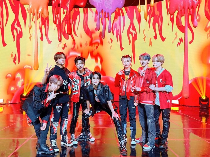 Фото №1 - NCT DREAM продали более двух миллионов копий альбома «Hot Sauce»