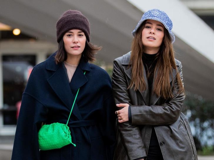 Фото №1 - Шапки, береты и кепки: самые модные головные уборы осени и зимы 2021/22