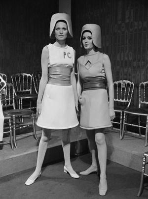 Фото №13 - Король футуризма: модные изобретения Пьера Кардена