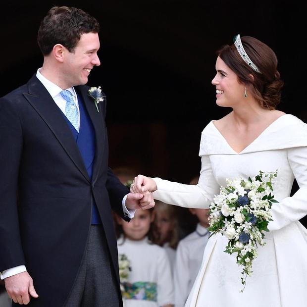 Фото №3 - Дареное не дарят: как Меган Маркл и принц Гарри вновь расстроили королеву