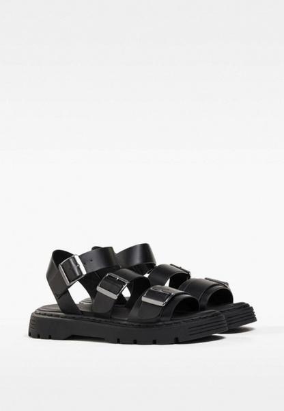 Фото №1 - Самые модные сандалии на лето 2021