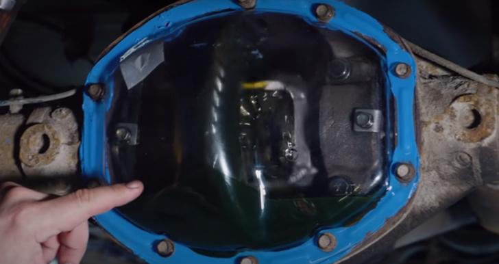 Фото №1 - Русские автоумельцы сделали редуктор прозрачным и понаблюдали за удивительной жизнью масла (видео)