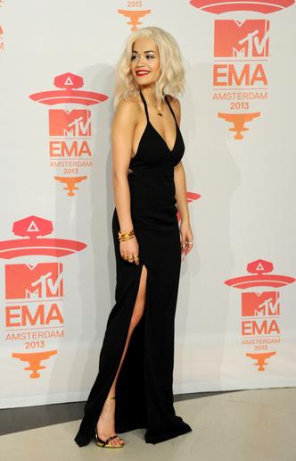 Фото №9 - Премия MTV EMA: лучшие звездные образы за всю историю