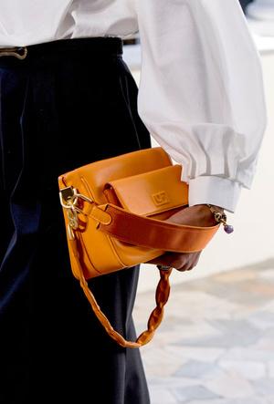 Фото №19 - Самые модные сумки весны и лета 2021