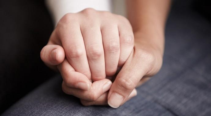 Как вести себя, если у партнера зависимость