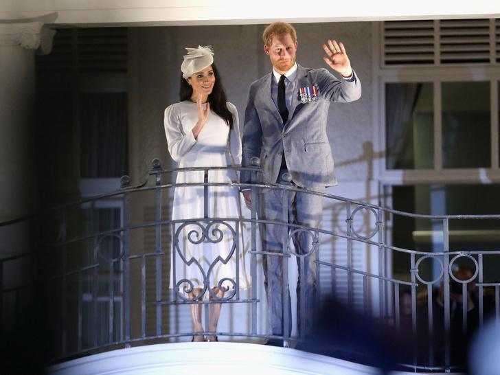 Фото №4 - Почему Гарри и Меган пора самим отказаться от королевских титулов