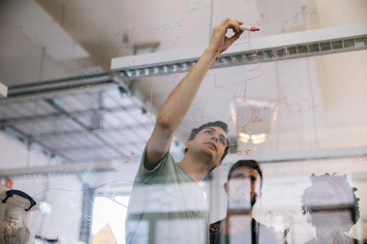 Фото №1 - 10 методов, которые увеличат твое умение решать проблемы игенерировать остроумные идеи