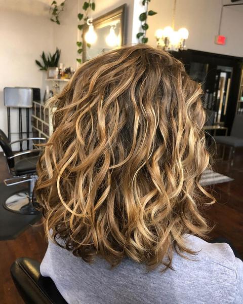 Фото №3 - Все, что ты хотела знать о химической завивке волос в 2021-м