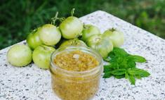 Приправа релиш из зеленых томатов и красного лука