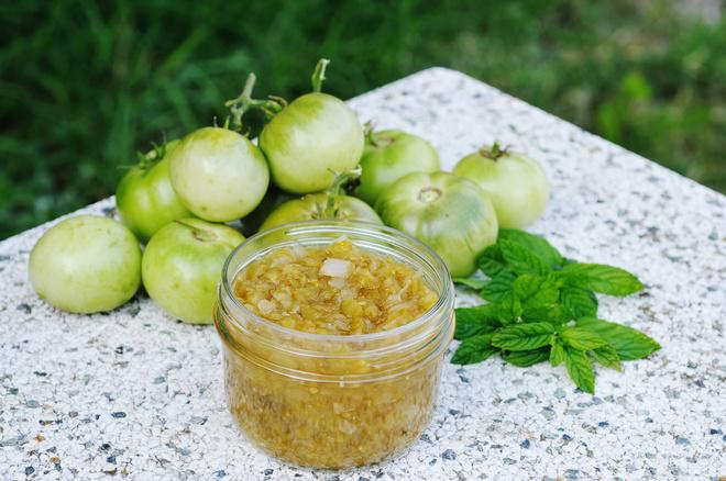 Релиш: рецепт соуса из зеленых томатов и красного лука