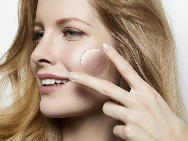 Фото №2 - Как состояние кожи влияет на качество жизни, и можно ли его контролировать?