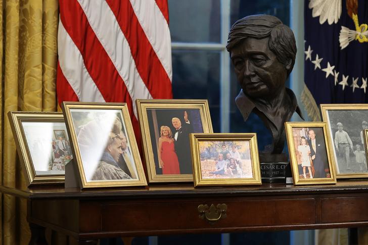 Фото №25 - Иванка плакала, Трамп обещал вернуться: как Джо Байдена посвящали в президенты