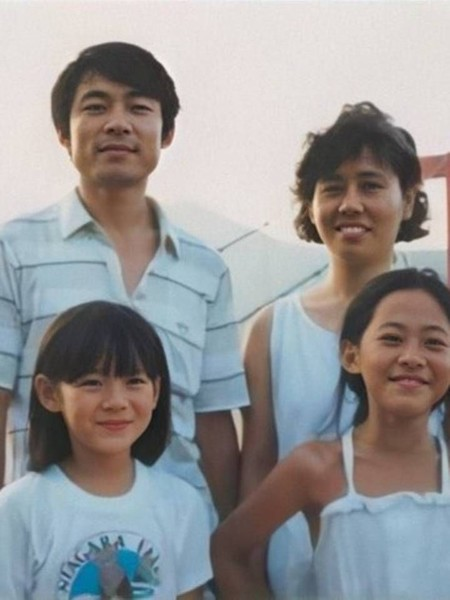 Фото №1 - OMG! Хён Бин— вылитый папа Сон Е Джин 😁