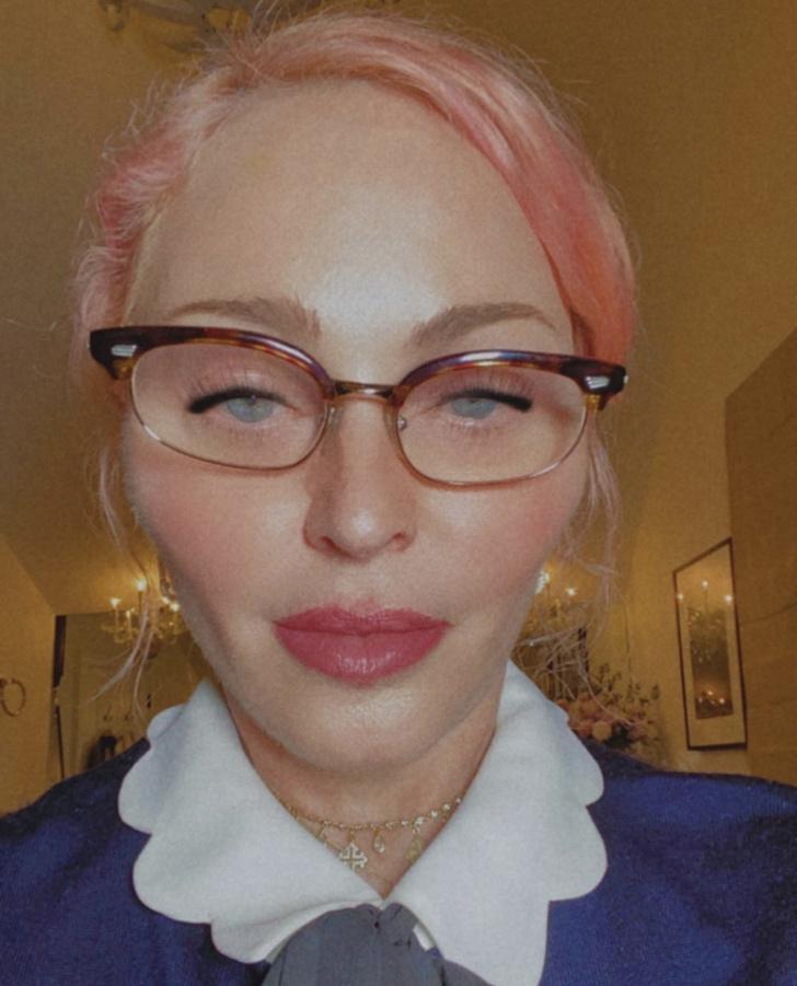 Фото №1 - Мадонна радикально сменила цвет волос. И стала неузнаваема
