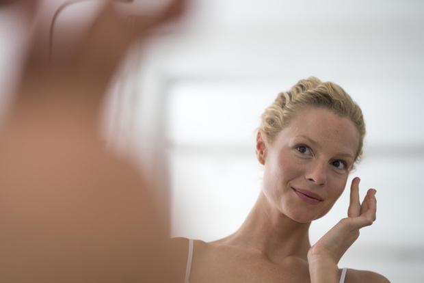 Фото №2 - Косметолог объяснила, какой признак на лице требует срочной помощи