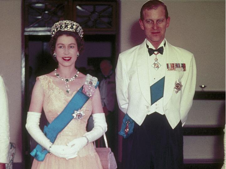 Фото №1 - Сбежавший муж: почему принц Филипп покинул Елизавету в королевском туре