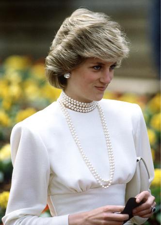 Фото №2 - Морские сокровища: как королевские особы носят жемчуг