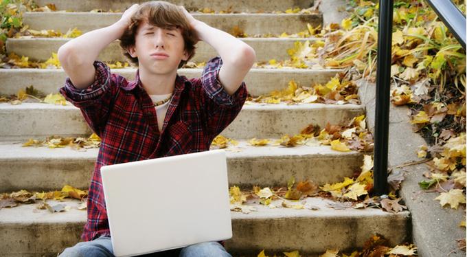 Подросток в соцсетях: как дать отпор хейтеру?
