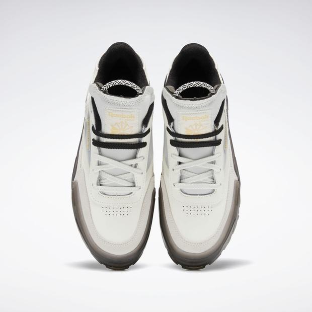 Фото №4 - Reebok выпустили очень модные кроссовки в коллаборации с Карди Би, но купить их можно только сегодня
