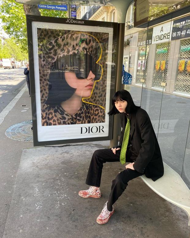 Фото №1 - Носить мужской галстук— это красиво. Доказывает любимица Dior и Givenchy София Стейнберг из Новосибирска