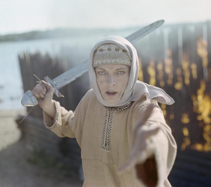 Людмила Чурсина: и коня на скаку остановит, и в горящий звездолет войдет