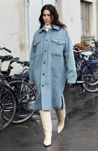 Фото №6 - И в дождь и в снег: как носить белую обувь в холодный сезон