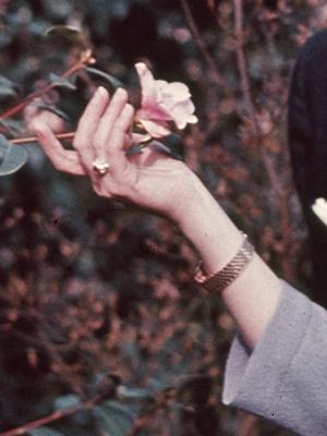 Фото №3 - Чем помолвочное кольцо принцессы Маргарет отличалось от других колец Виндзоров