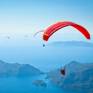 Фото №8 - Гадаем на парашютах: в какой день недели тебе всегда везет? 🪂