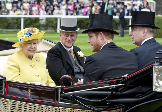 Фото №1 - Семейная вражда: 5 Виндзоров, у которых были конфликты с принцем Филиппом