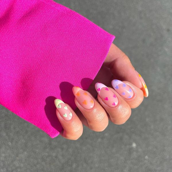 Фото №1 - Heart Nails: трендовый маникюр из Инстаграма, которые покорит твое сердце ❤️