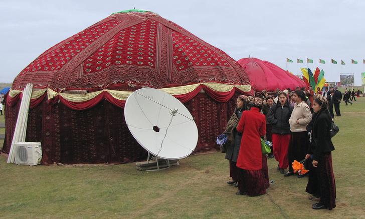 Фото №1 - В Туркменистане теперь можно попасть в Интернет только через Коран