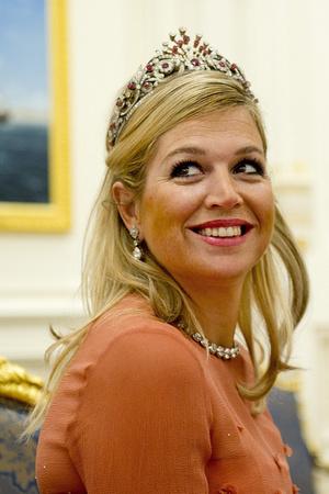 Фото №4 - Камни судьбы: самые роскошные рубиновые тиары королевских семей
