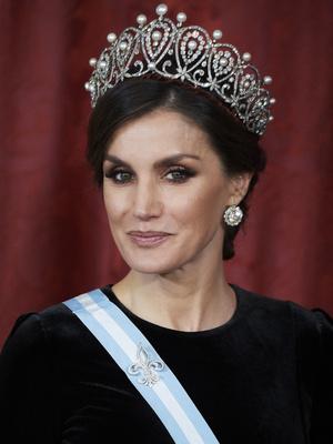 Фото №4 - Красота по-королевски: почему Кейт, Летиция и другие монаршие особы никогда не выглядят как инста-звезды