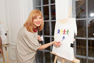 Фото №1 - Woman's Day и Lamoda запустили благотворительный проект «Я лечу»