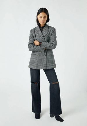 Фото №2 - Топ-5: самые модные пиджаки 2021
