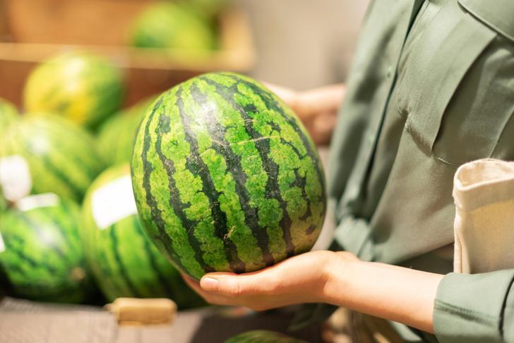 Фото №2 - Тук-тук: как выбрать сладкий арбуз и сочную дыню