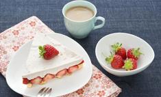 """Рецепт французского торта """"Фрезье"""" с клубникой"""