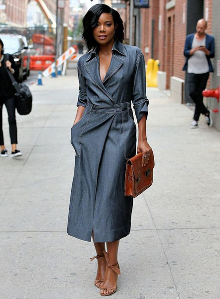 Фото №4 - Почему стало модно ходить без бюстгальтера
