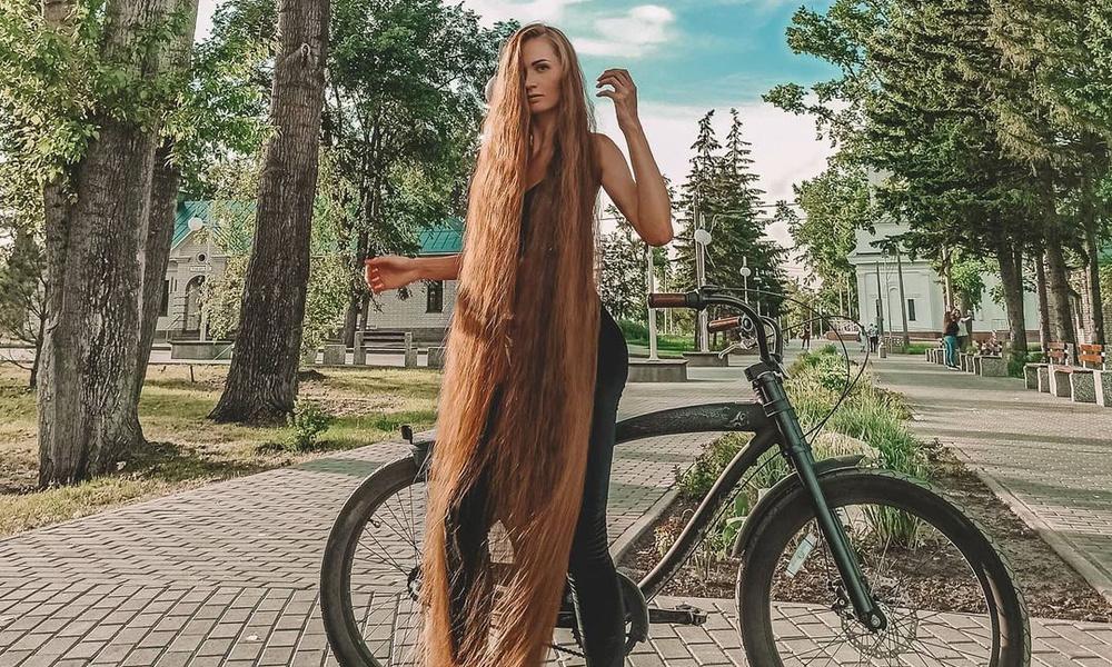 Как выглядит русская Рапунцель, волос которой хватит на пятерых