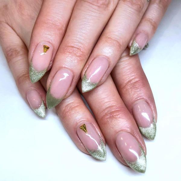 Фото №10 - Velvet nails: идеальный сияющий маникюр на лето
