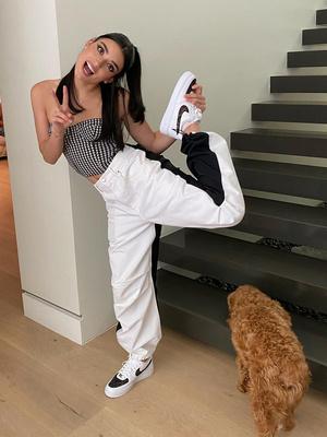 Фото №11 - Чарли и Дикси Д'Амелио: изучаем стиль самых модных сестричек из TikTok