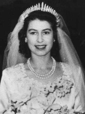 Фото №2 - У какой королевской семьи Европы самая дорогая коллекция тиар
